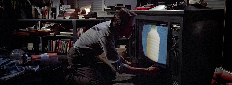 """Il Latte in """"Videodrome"""" (1983) di David Cronenberg"""