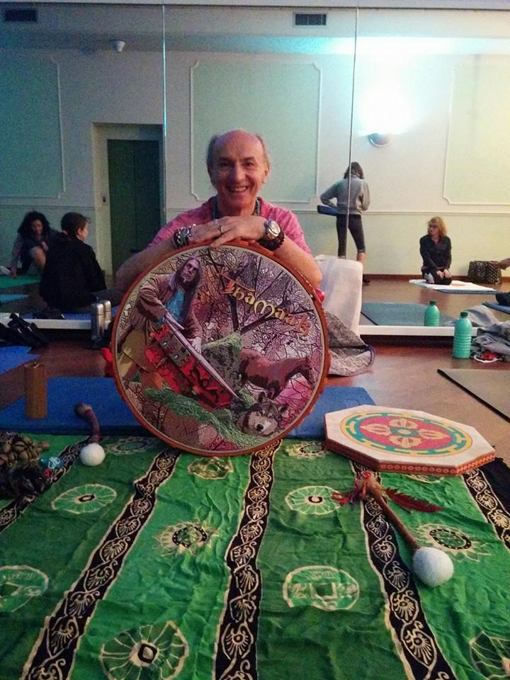 Massimo con il tamburo sciamanico