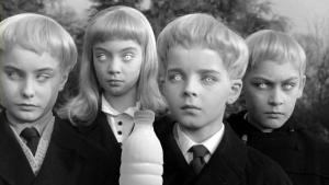 Il Latte in Il villaggio dei dannati (Village of the Damned,  1960) di Wolf Rilla