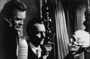 """Il Latte in """"Il teschio maledetto"""" (The Skull, 1965) di Freddie Francis con Peter Cushing"""