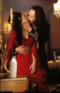 """Il Latte in """"Dracula di Bram Stoker"""" (Bram Stoker's Dracula, 1992) di Francis Ford Coppola"""